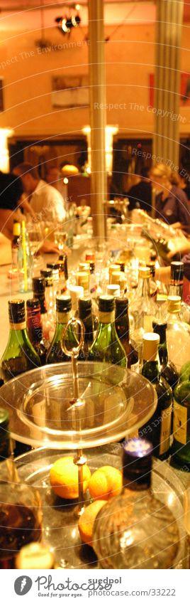 Theke Mensch Party Getränk Bar Gastronomie Flasche Alkohol Theke Nachtleben Kneipe