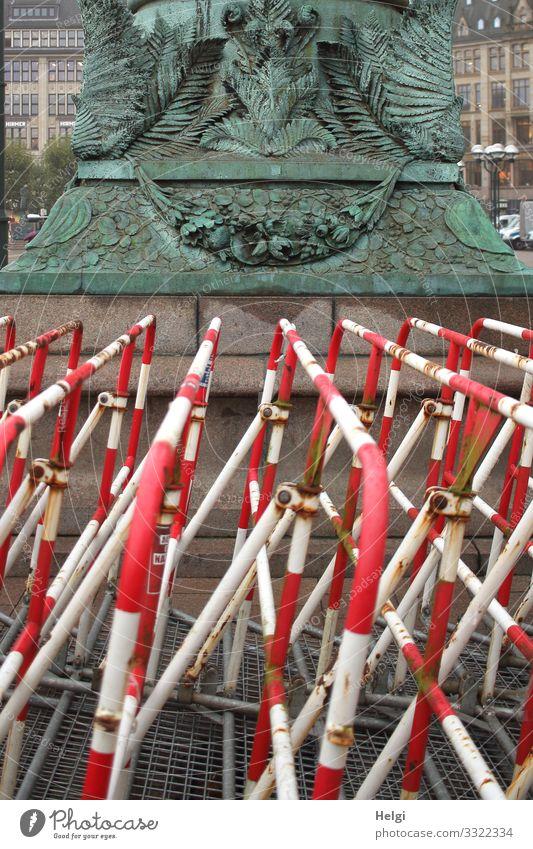 Sperren | UT HH10/19 Stadt weiß rot außergewöhnlich grau Ordnung Schilder & Markierungen stehen einzigartig Schutz Sicherheit türkis Barriere Skulptur bizarr