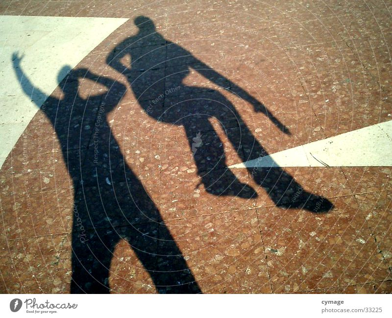 schatten-02 Mann rot springen 2 maskulin Platz außergewöhnlich Bodenbelag Barcelona Selbstportrait hüpfen Kick