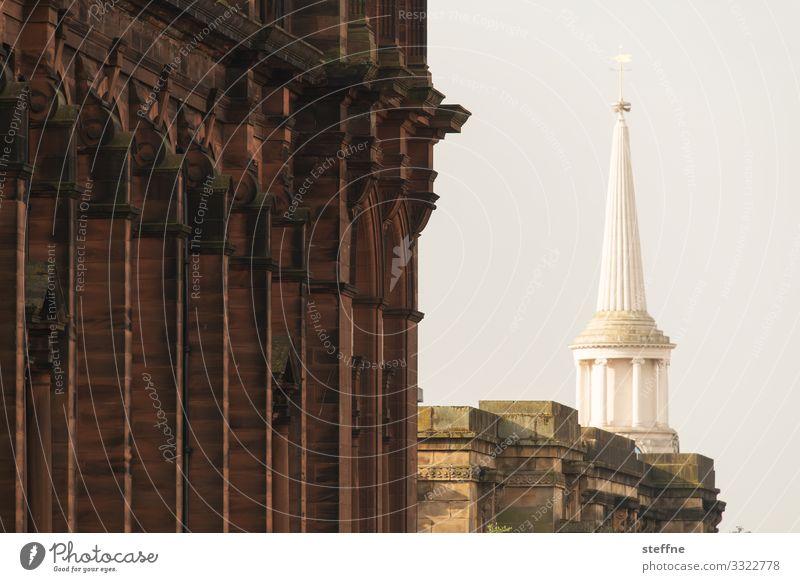 quer, aber vertikal Sonnenaufgang Sonnenuntergang Sonnenlicht Schönes Wetter Altstadt Skyline Fassade ästhetisch historisch Glasgow Turmspitze Architektur Säule