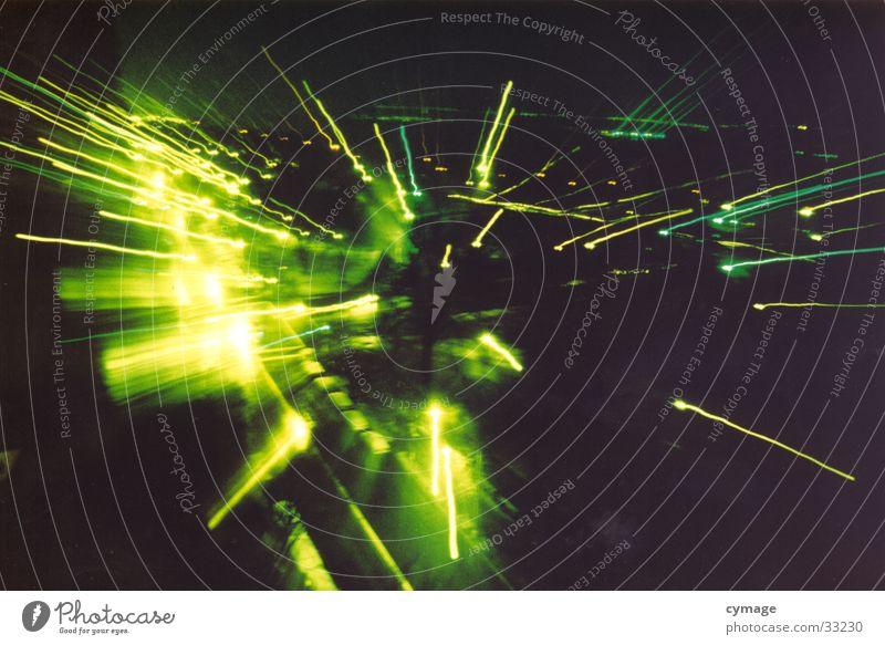 riverside New York State New York City Langzeitbelichtung grün Zoomeffekt Stadt Mitte dunkel Licht Explosion fliegen