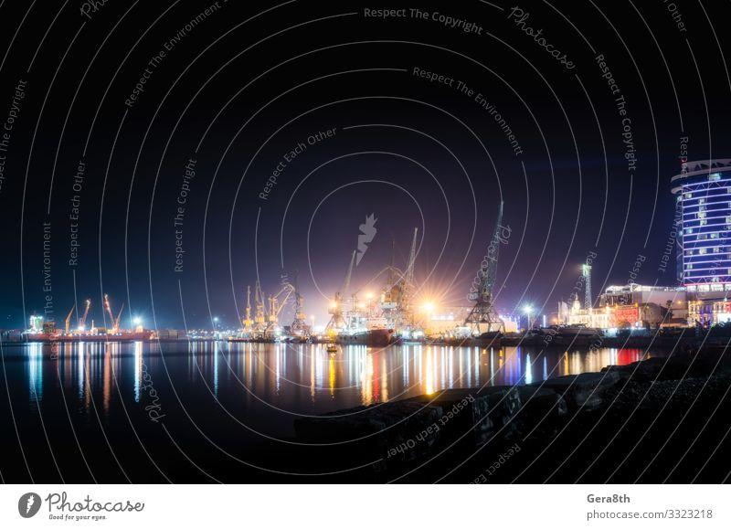 Seehafen mit Schiffen und Lastkähnen in Batumi bei Nacht Ferien & Urlaub & Reisen Meer Haus Güterverkehr & Logistik Landschaft Küste Gebäude Architektur Verkehr