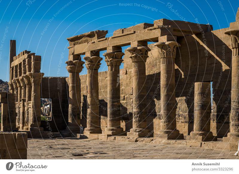 Philae Tempel in Assuan, Ägypten. tempel ägypten philae säule hieroglyphen historisch architektur afrika reise geschichte archäologie glaube tradition pharaonen