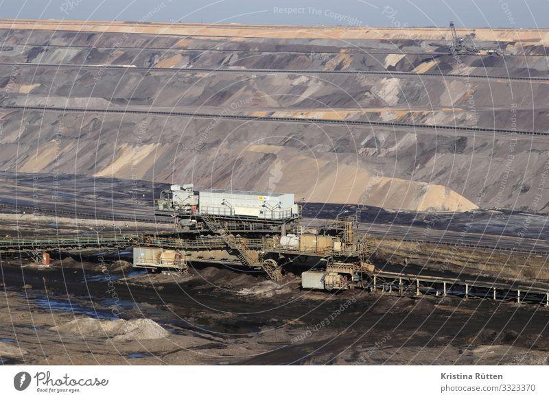 förderbänder im tagebau Energiewirtschaft Umwelt Erde Klimawandel braun Umweltverschmutzung Zerstörung Braunkohlentagebau braunkohleabbau industrieanlage