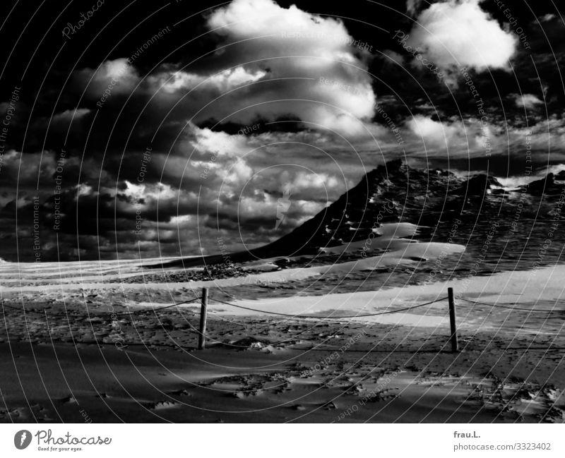 Sandberg Ferien & Urlaub & Reisen Tourismus Ausflug Strand Meer Winter Ostsee Polen außergewöhnlich schön Wanderdüne Nationalpark Naturschutzgebiet Wolken Zaun