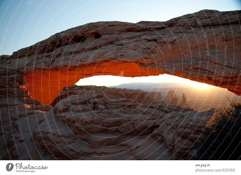 One More Ferien & Urlaub & Reisen Tourismus Abenteuer Ferne Freiheit Natur Landschaft Wolkenloser Himmel Sonnenaufgang Sonnenuntergang Felsen Schlucht leuchten
