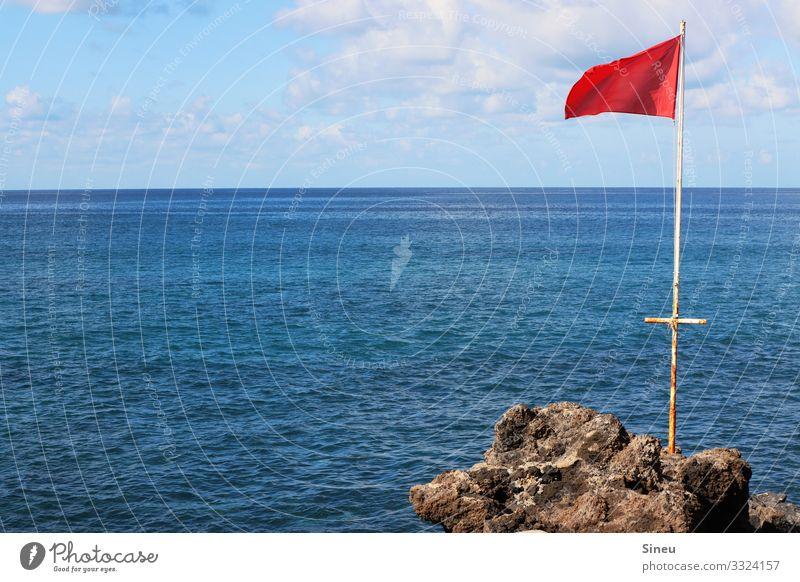 Fahne im Wind Schwimmen & Baden Ferien & Urlaub & Reisen Ferne Sommer Sommerurlaub Meer Wassersport Natur Landschaft Urelemente Himmel Wolken Schönes Wetter
