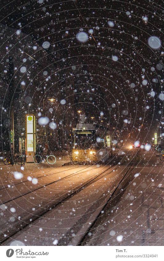 Winter in Berlin Klima Wetter Schnee Schneefall Prenzlauer Berg Verkehr Verkehrsmittel Verkehrswege Personenverkehr Öffentlicher Personennahverkehr