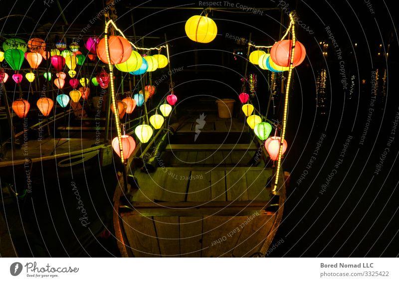 Laternen auf Booten in Hoi An, Vietnam schön Ferien & Urlaub & Reisen Tourismus Dekoration & Verzierung Lampe Nachtleben Feste & Feiern Kunst Kultur Natur Fluss