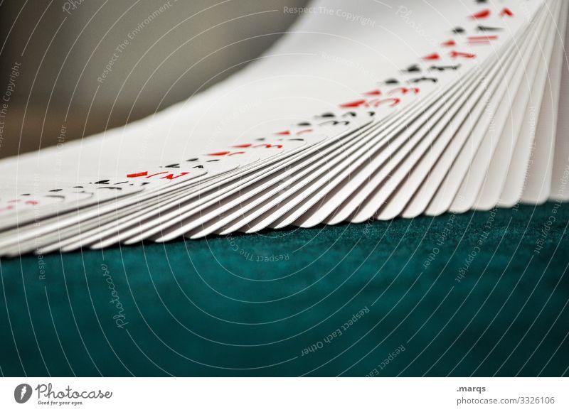 Kartendeck aufgereiht Spielen Kartenspiel Poker Glücksspiel Kartenhaus Verlierer Joker mischen Las Vegas Spielkasino Trick Ordnung Kreativität Erfolg betrügen