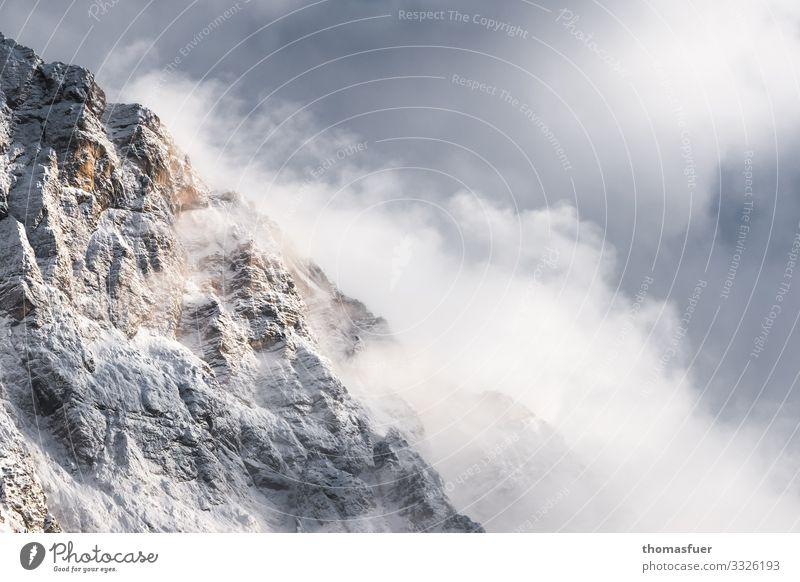 Alpengipfel im Nebel und Schnee Ferien & Urlaub & Reisen Ausflug Abenteuer Ferne Winter Winterurlaub Berge u. Gebirge wandern Landschaft Erde Luft Wolken Klima
