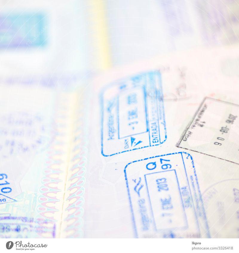 Unschärfe und Reisepass im weißen Hintergrund Geld Ferien & Urlaub & Reisen Tourismus Ausflug Freiheit Business Flughafen Papier Sammlung Geborgenheit Identität