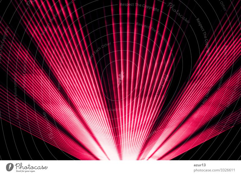 Rote Lasershow Nachtleben-Clubbühne und leuchtende, funkelnde Strahlen zeigen Silvester Reichtum Party Veranstaltung Nachtclub Konzert Entertainment Schauplatz