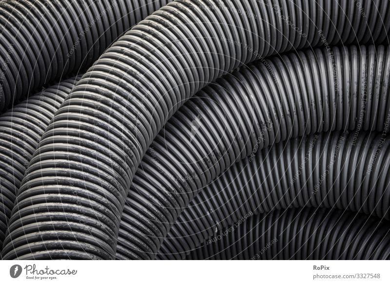Kunststoff-Drainageschlauch auf einer Baustelle. Lifestyle Stil Design Wissenschaften Arbeit & Erwerbstätigkeit Beruf Arbeitsplatz Fabrik Wirtschaft