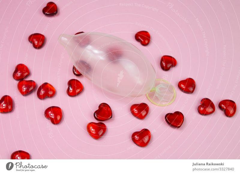 Safe Love Paar Partner Glas Zeichen Sex Erotik heiß nass rosa Liebe Verliebtheit Romantik Begierde Lust Kitsch Sexualität Herz Kondom Verhütungsmittel Latex