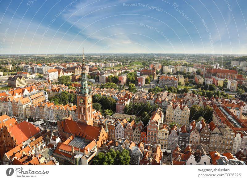 Roofs of Gdansk Ferien & Urlaub & Reisen Sommer Stadt Hafenstadt Stadtzentrum Altstadt Menschenleer Haus Kirche Dom Bauwerk Gebäude Architektur Fassade Dach