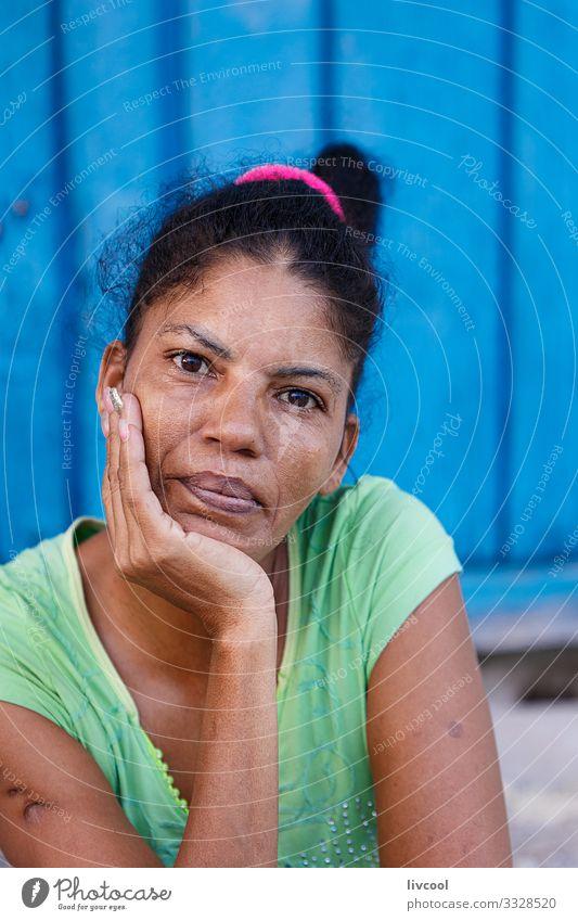 junge grossmutter, camaguey - kuba Lifestyle Stil schön Leben Spielen Ferien & Urlaub & Reisen Ausflug Insel Mensch feminin Frau Erwachsene Großmutter