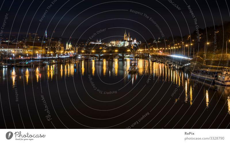 Stadt Prag bei Nacht. Lifestyle Reichtum Stil Design Leben Erholung Ferien & Urlaub & Reisen Tourismus Sightseeing Städtereise Wirtschaft Handel