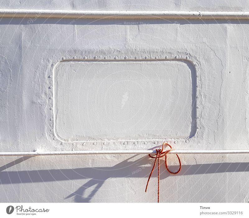 Das härteste Fenster Hamburgs Schifffahrt Binnenschifffahrt Bootsfahrt Passagierschiff Fähre Wasserfahrzeug Hafen Bootsfenster Schiffstau Reling hell maritim