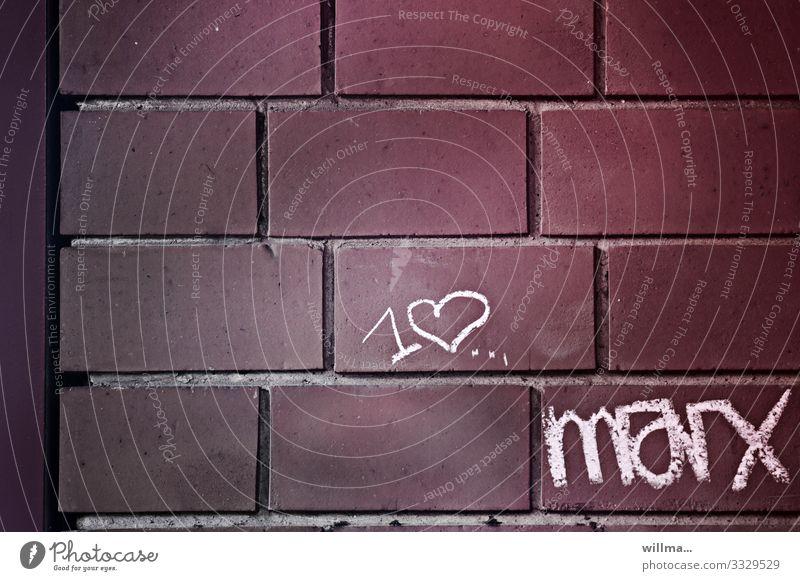 I love Marx - Kreidezeit und Philosophenliebe Mauer Wand Backstein Backsteinwand Zeichen Schriftzeichen Graffiti Herz Kreidezeichnung Marxismus-Leninismus