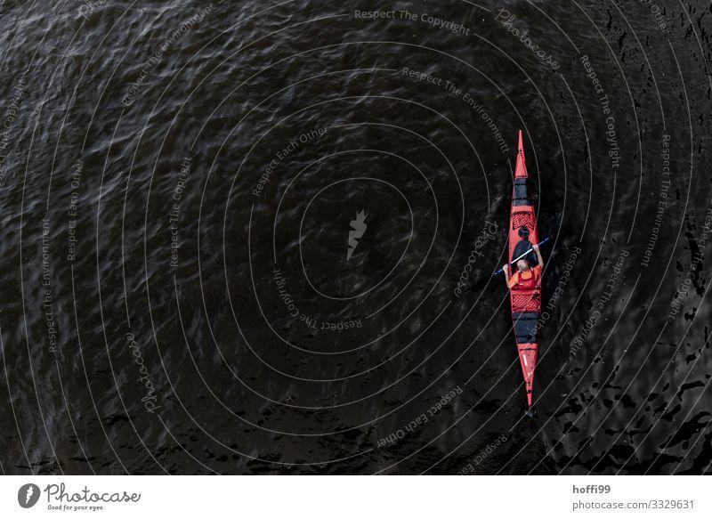 auf dem Wasser Ruderboot Kajak Ausflug Abenteuer Expedition Sport Fitness Sport-Training Wassersport Rudern Paddeln Mensch 1 Bewegung fahren