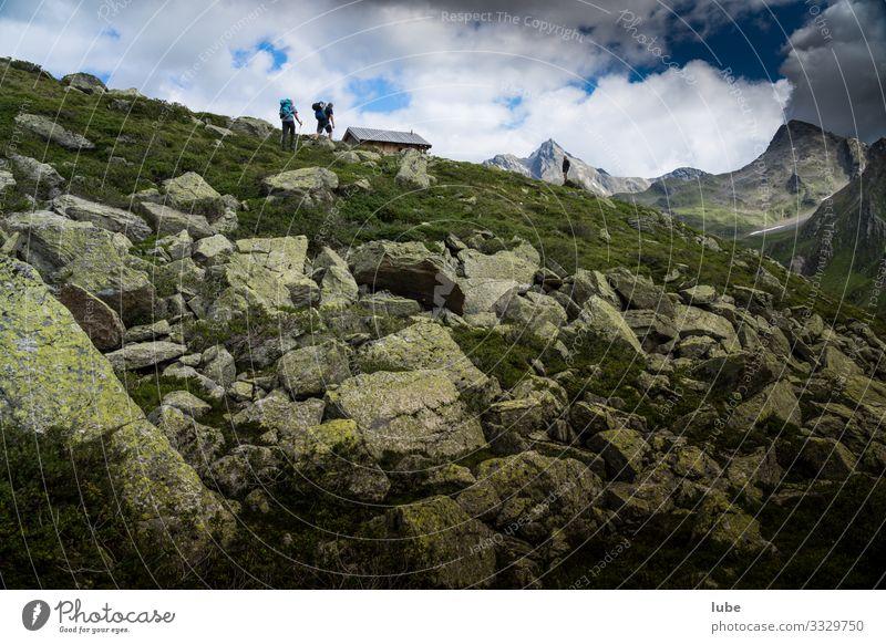 Aufstieg zur Mullehütte im Malfontal in Tirol Malfonalm Berge Steine Riffler Bergsteiger wanderung bergwanderung landschaft gipfel gebirge felsen alpen natur