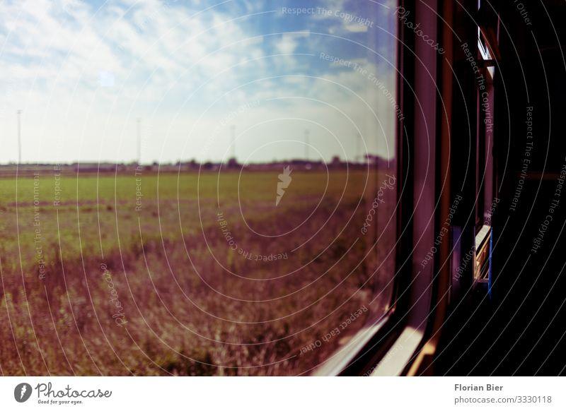 Zugfahrt Ferien & Urlaub & Reisen Ausflug Abenteuer Ferne Verkehrsmittel Personenverkehr Bahnfahren Eisenbahn Zugabteil beobachten Bewegung entdecken Erholung