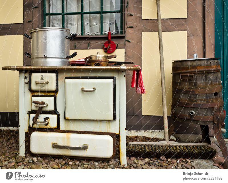 Eine altmodischer Backofen, vintage und rostig Innenarchitektur Dekoration & Verzierung Küche Herd & Backofen Essen heiß trendy historisch retro mehrfarbig weiß