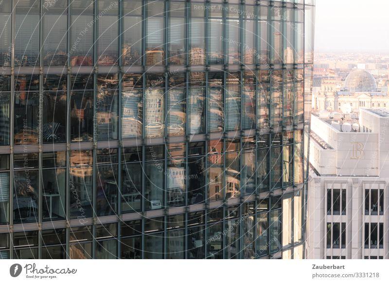 Stadt im Spiegel Wirtschaft Berlin Berlin-Mitte Stadtzentrum Hochhaus Architektur Fassade Fenster Potsdamer Platz Glas Arbeit & Erwerbstätigkeit eckig glänzend