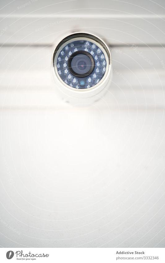 Sicherheitskamera im Lagerhaus Gerät cctv elektronisch Lagerhalle Fotokamera Kontrolle Überwachung System bewachen Technik & Technologie überwachen Video Schutz