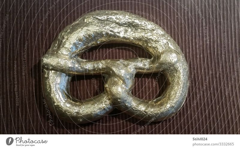 goldene Brezel Lebensmittel Essen braun Design Metall retro Lebensfreude Gold Romantik Zeichen lecker Backwaren Appetit & Hunger Skulptur Nostalgie