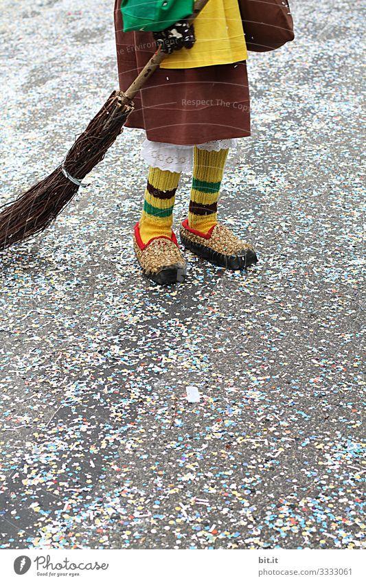 Alemannische Buurefasnet Freizeit & Hobby Party Feste & Feiern Karneval Mensch Jugendliche Erwachsene Beine Fuß stehen Tanzen Freude Glück Fröhlichkeit