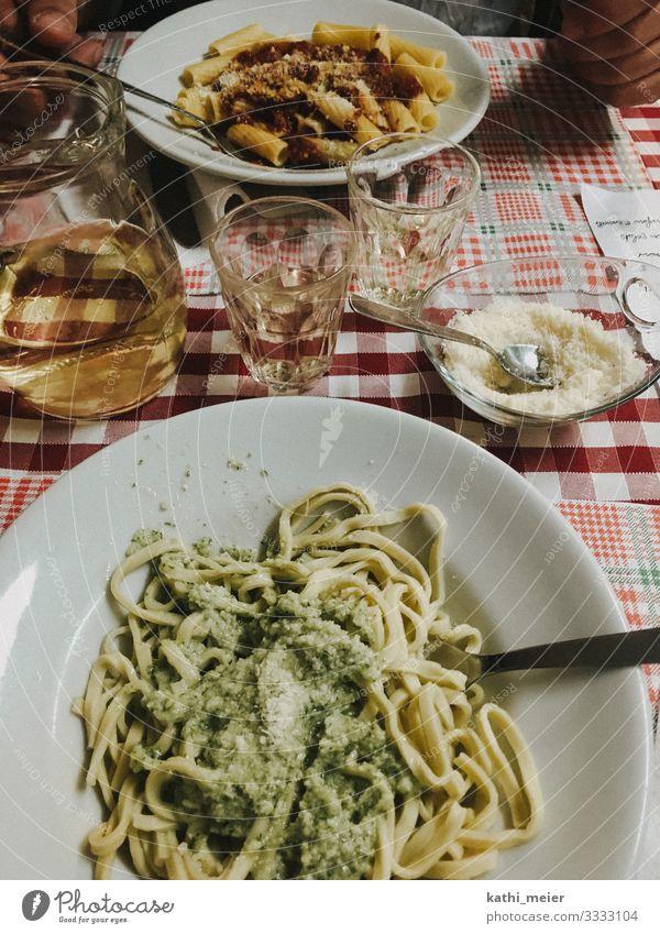 Pasta alla Genovese Lebensmittel Teigwaren Backwaren Ernährung Essen Mittagessen Bioprodukte Getränk Wein Geschirr Diät trinken Ferien & Urlaub & Reisen