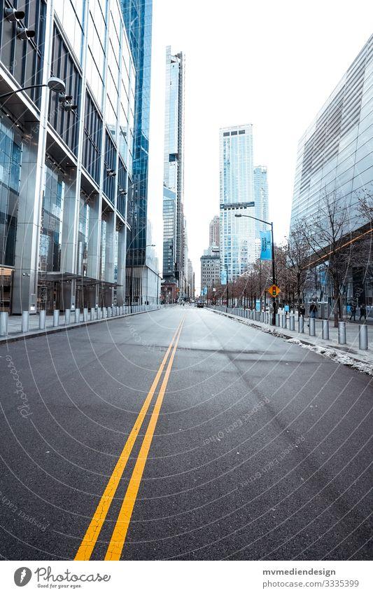 Häuserschlucht New York City Straße USA amer Amerika Architektur Freiheit Großstadt urban Manhattan nyc Stadt