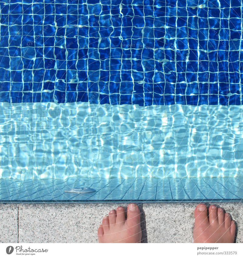 nach dem sprung ist vor dem sprung Ferien & Urlaub & Reisen blau Wasser Sommer Sport Stein Schwimmen & Baden springen Fuß Linie maskulin Wellen stehen