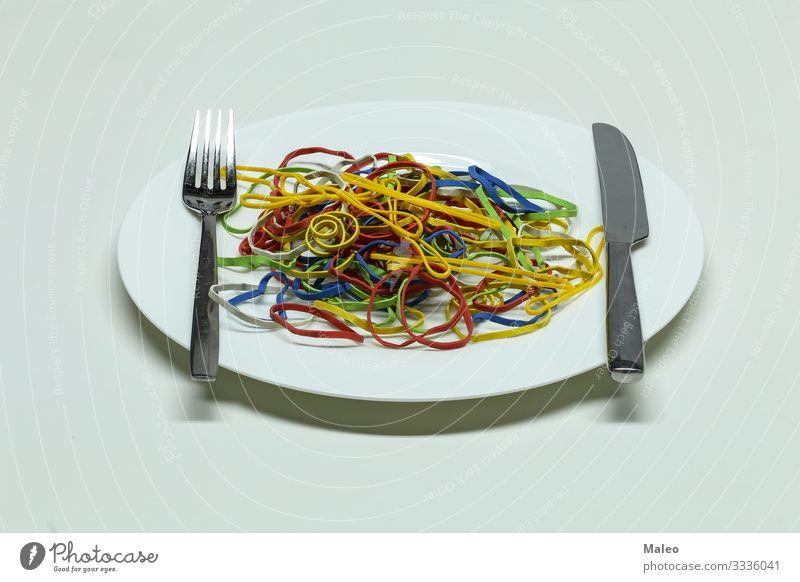 Gummibänder Spaghetti Anhäufung gelb Kunststoff Farbe rot mehrere mehrfarbig Teigwaren abstrakt elastisch Schnur Teller Gesunde Ernährung Speise Essen