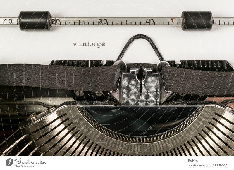 alte Schreibmaschine Lifestyle Stil Design Freizeit & Hobby lesen Häusliches Leben Bildung Erwachsenenbildung Schule lernen Arbeit & Erwerbstätigkeit