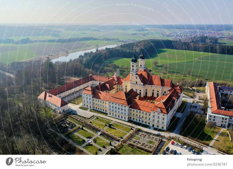 Kloster Roggenburg von oben schön Tourismus Ausflug Sommer Sonne Wetter Architektur Sehenswürdigkeit Wahrzeichen Denkmal historisch Religion & Glaube