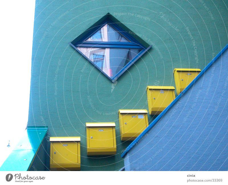 treppe blau Haus Fenster Architektur Treppe Briefkasten
