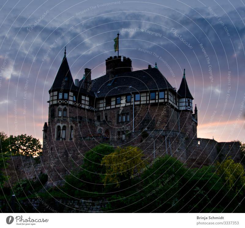 Schloss Berlepsch (Hessen) in der Dämmerung Ferien & Urlaub & Reisen alt Sommer Landschaft Architektur Wand Gebäude Mauer Stimmung wandern Park retro leuchten