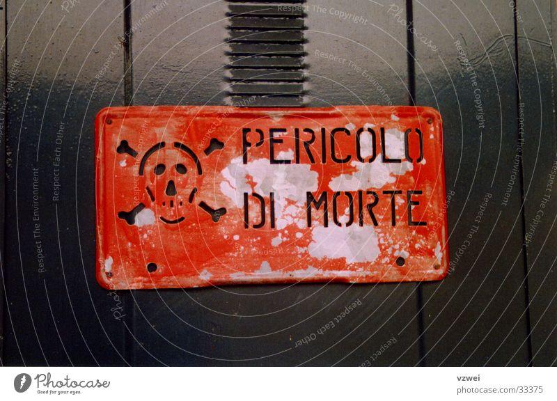 Lebensgefahr! rot Tod Schilder & Markierungen Industrie Elektrizität gefährlich bedrohlich elektronisch Schädel