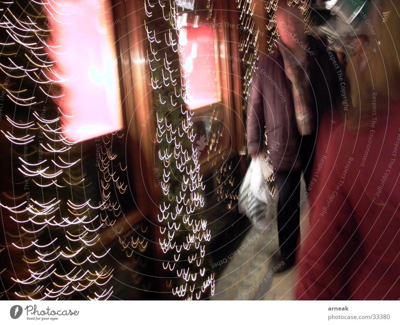 Einkauf Schaufenster kaufen Nacht Langzeitbelichtung Mann Juwelier Menschengruppe Licht Cartier Weihnachten & Advent