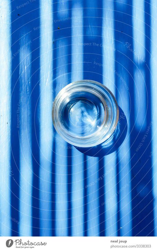 Blue Water Getränk Erfrischungsgetränk Wasserglas Glas Ferien & Urlaub & Reisen Sommer Sommerurlaub Griechenland Holz Erholung trinken ästhetisch Flüssigkeit