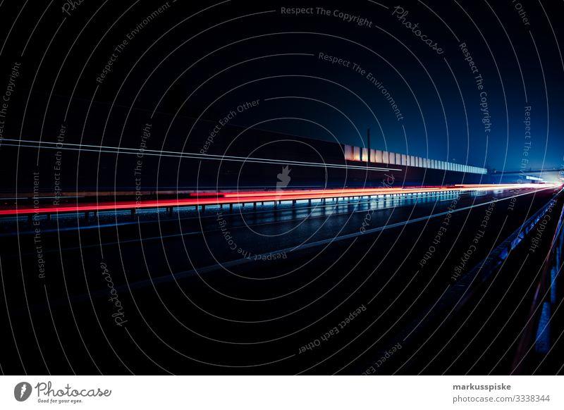 Autobahn bei Nacht Lifestyle Ferien & Urlaub & Reisen Tourismus Ausflug Abenteuer Ferne Freiheit Nachtleben Arbeit & Erwerbstätigkeit Güterverkehr & Logistik
