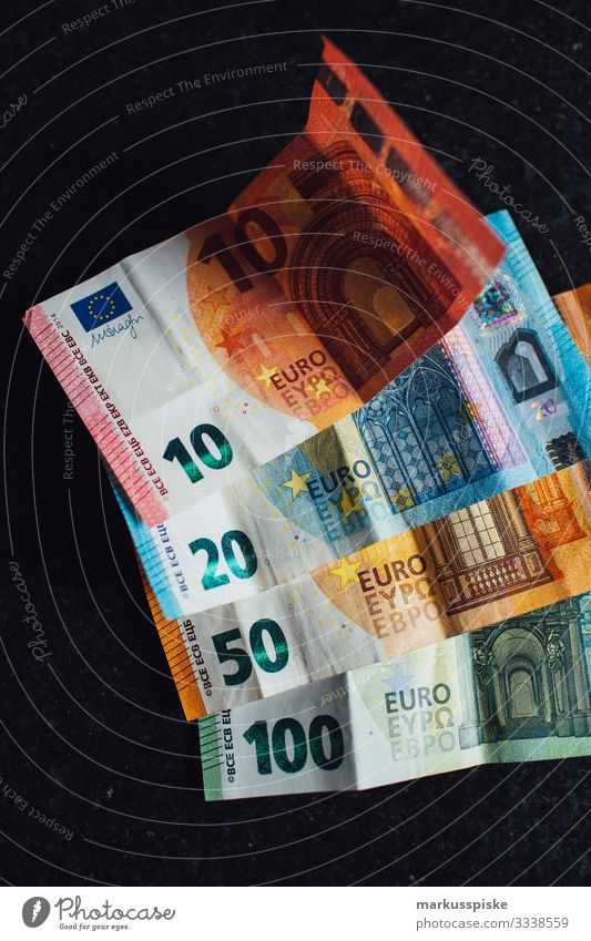 EURO Geldscheine Freude Lifestyle Glück Schriftzeichen Erfolg Armut kaufen Industrie Zeichen Ziffern & Zahlen Bildung Risiko Geldinstitut Wissenschaften