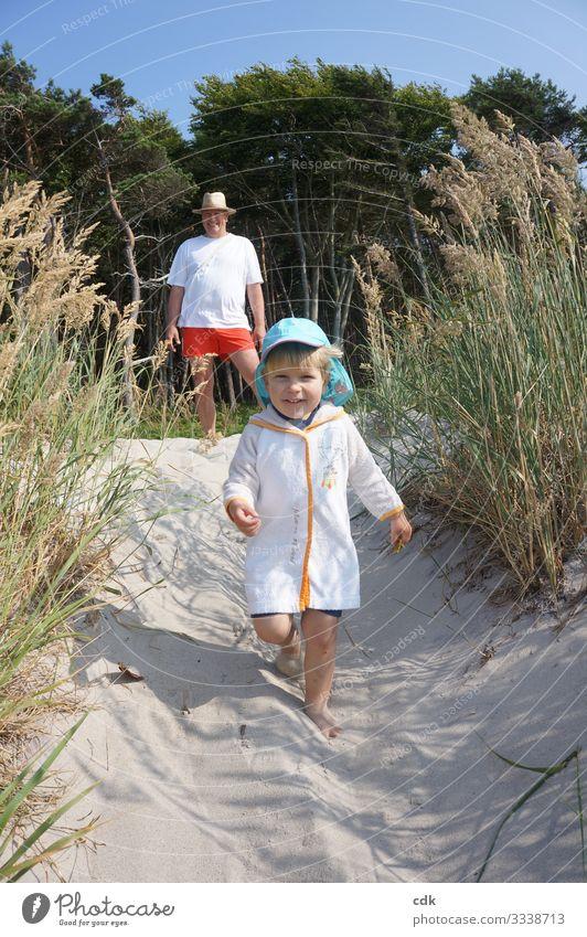 Ferienglück II harmonisch Wohlgefühl Zufriedenheit Erholung Sommer Sommerurlaub Sonne Strand Mensch maskulin Junge Vater Erwachsene 2 Natur Sand Schönes Wetter