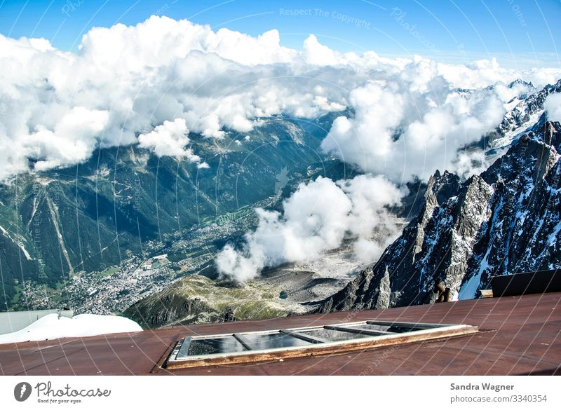 Über den Wolken Landschaft Himmel Wetter Felsen Alpen Berge u. Gebirge Gipfel Schneebedeckte Gipfel Gletscher Stein Metall Rost außergewöhnlich gigantisch