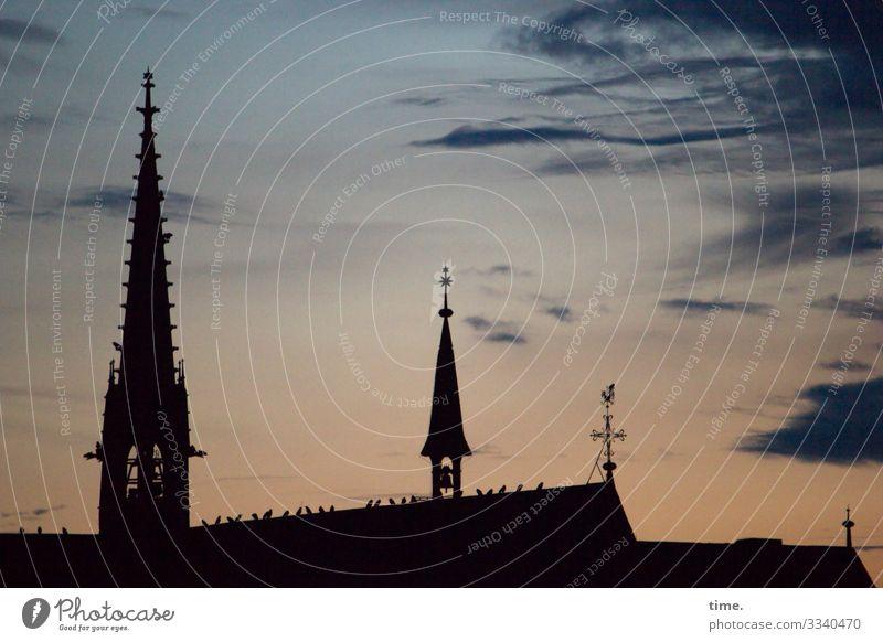 Himmelfahrten | Blitzableiter kirche architektur silhouette kirchturm abend wetterhahn religion Wolken wind verweht Verwehung linie streifen hoch oben luft