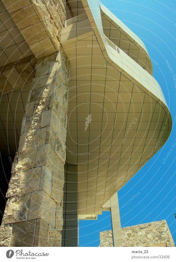 getty l.a. detail weiß blau Architektur Material Mischung Schwung Bogen Träger Los Angeles Getty Center Travertin