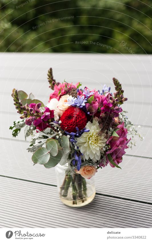 Brautstrauss Umwelt Natur Blume Rose Tulpe Efeu Farn Orchidee Blatt Blüte Grünpflanze Nutzpflanze exotisch Duft Blumenstrauß Strauß Eukalyptusblüte Hochzeit